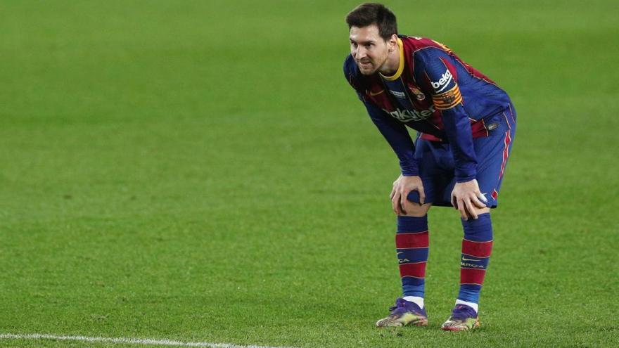 Messi renueva con el Barça, pero solo un año