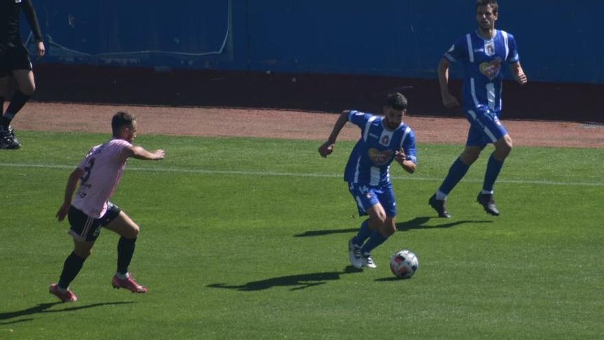 El Lorca se agarra al milagro tras vencer al Marino (2-1)