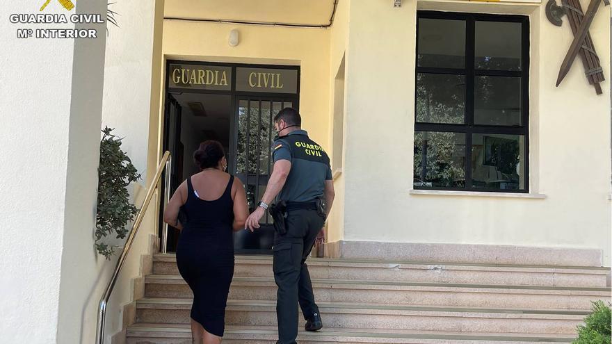 Detienen a una trabajadora de una residencia de Calp por sustraer 10.000 euros a una anciana de 90 años