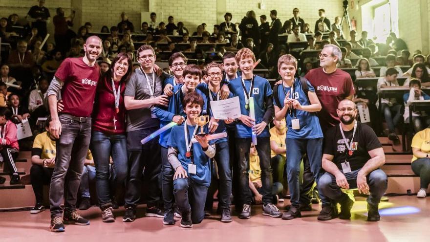 Premi per a un equip de Figueres a la First Lego League