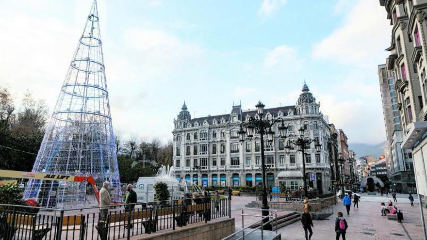 Así será la Navidad en Oviedo: el doble de luces y un belén con un molino de agua