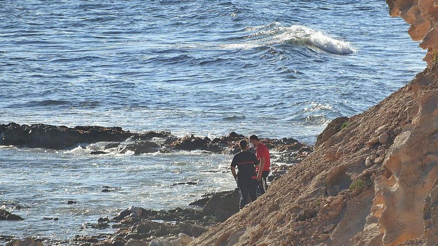 Hallan el cadáver de un hombre flotando en el mar en Formentera