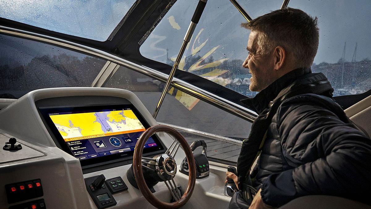 El 'Assisted Docking System' permite maniobrar la embarcación como un coche, sin importar el viento o la corriente. | SÖREN HAKANLIND