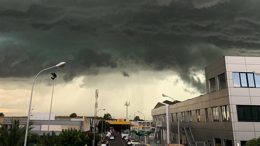 Tiempo en València: Granizo, lluvia, tornados y tormentón en la Comunitat