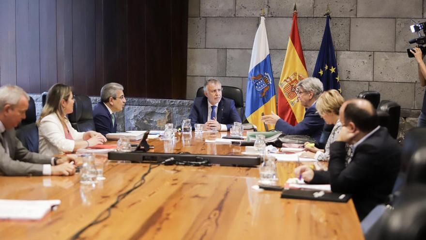 Las normas de la nueva normalidad en Canarias se retrasan por su complejidad