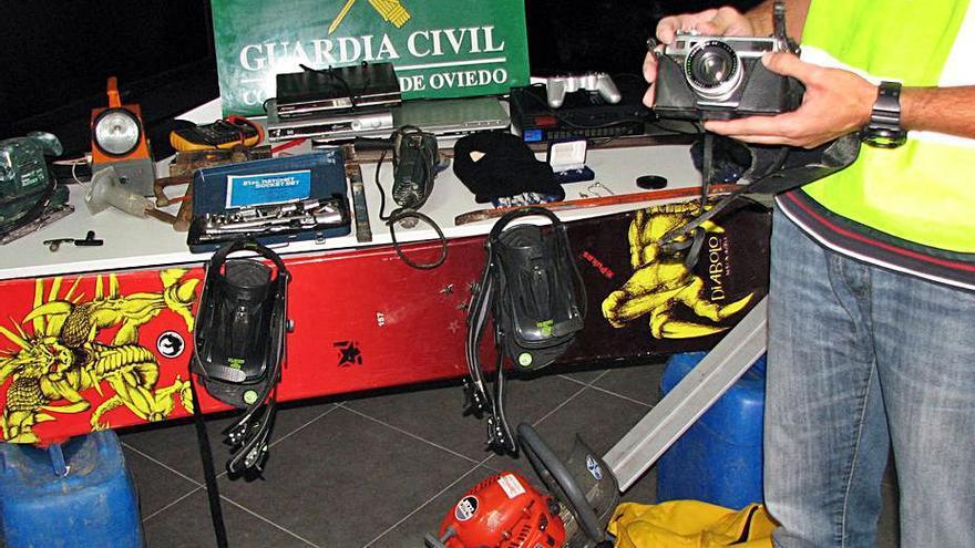 Solicitan 60 años para una banda por 17 robos en viviendas, comercios y bares del Bajo Nalón