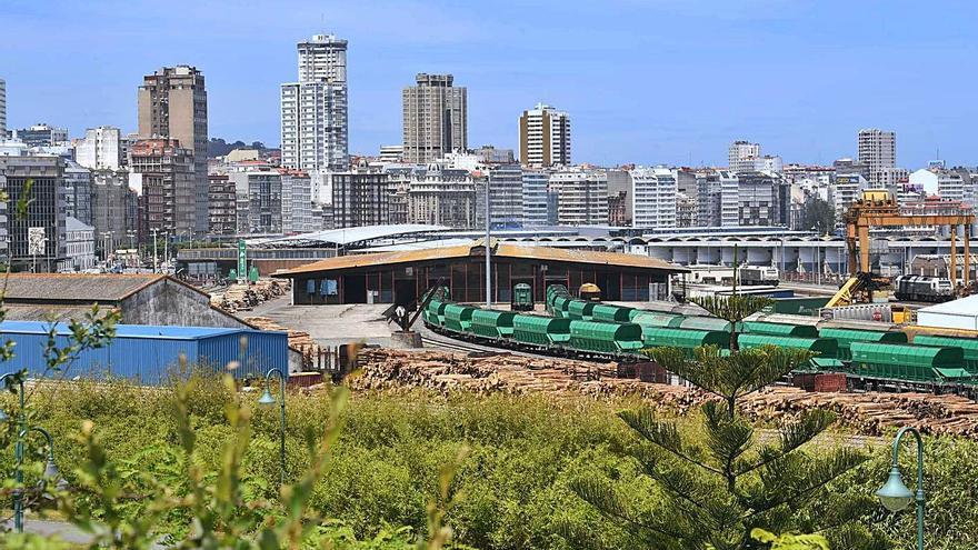 El plan portuario de la Universidade prevé que el tren entre bajo tierra en la estación de San Diego
