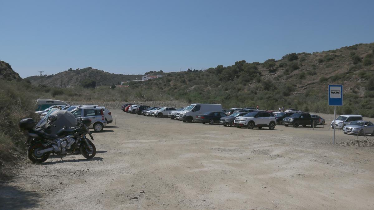 Aparcament del Morell on surten els busos per anar al Cap de Creus