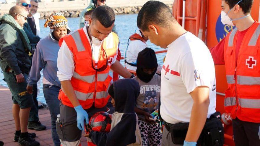 Canarias espera que la UE acoja a menores inmigrantes