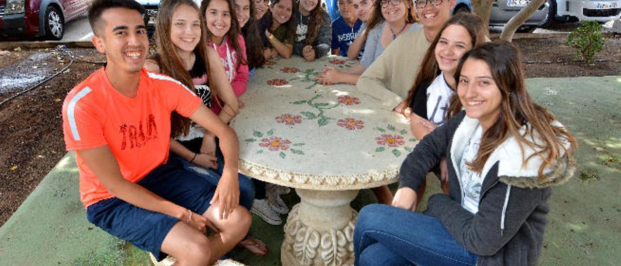 Integrantes del proyecto de Mediación, ayudantía y tutorías afectivas del Instituto de Educación Secundaria Vecindario.