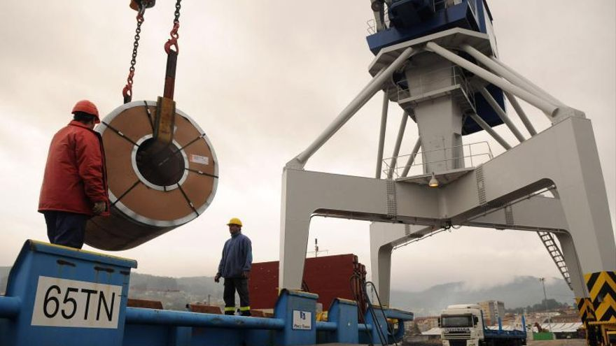 La industria gallega en jaque: el precio del acero se dispara