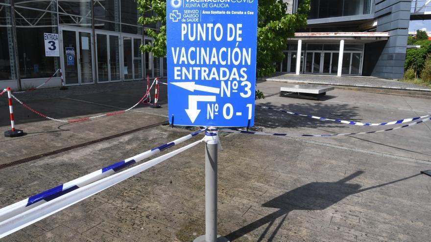 El Sergas cita a 7.720 personas mañana en A Coruña para recibir la vacuna contra el COVID-19