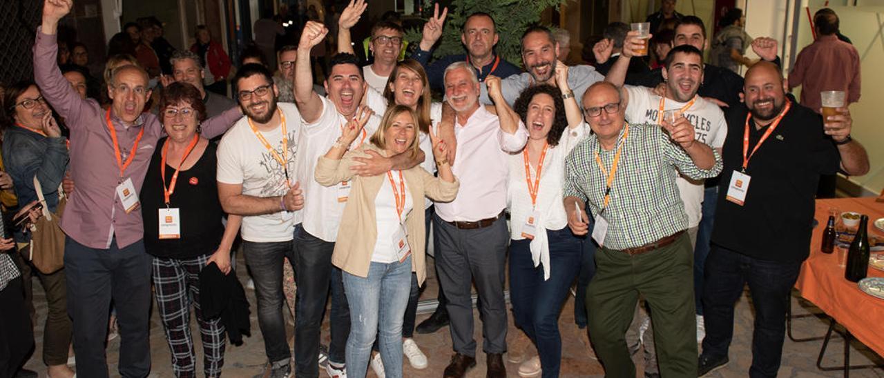 Jaume Llinares celebra la victoria de Compromís en las municipales