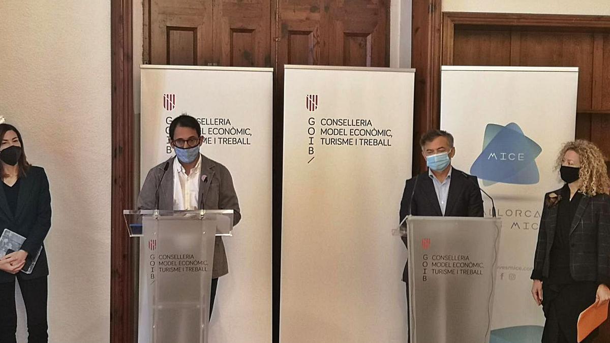Rosana Morillo, Iago Negueruela, Ramón Vidal y Alessia Comis en la rueda de prensa.
