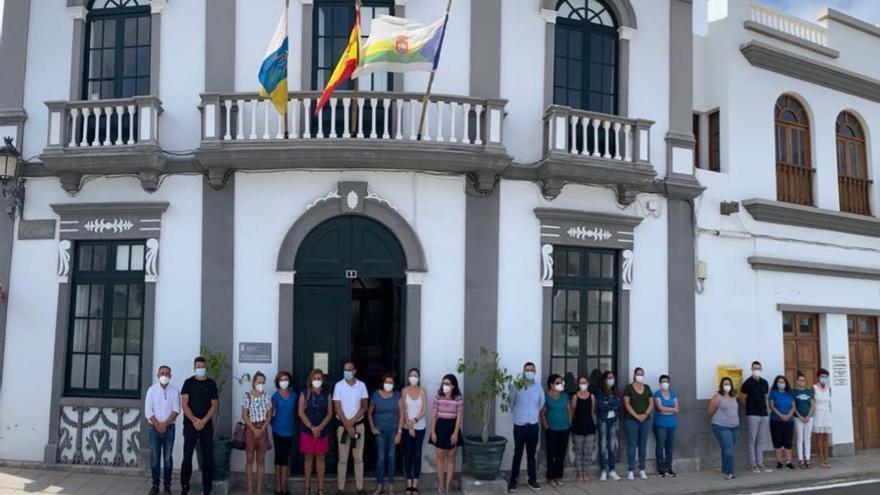 El Ayuntamiento de Haría muestra su pesar por la mujer asesinada en Tenerife