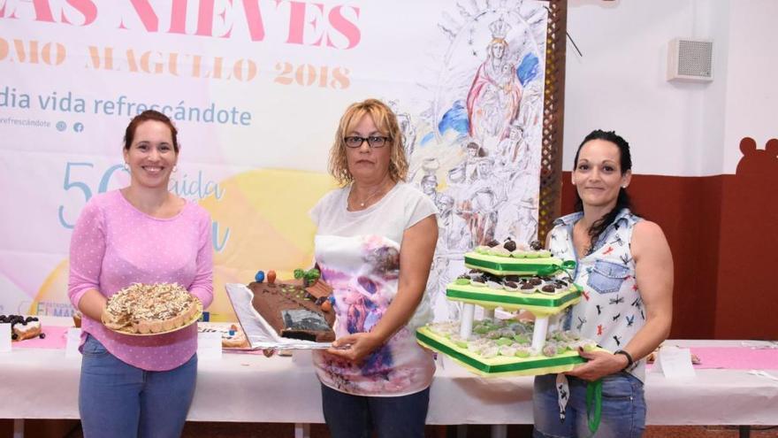 Esperanza González, mejor repostera de las fiestas de Lomo Magullo