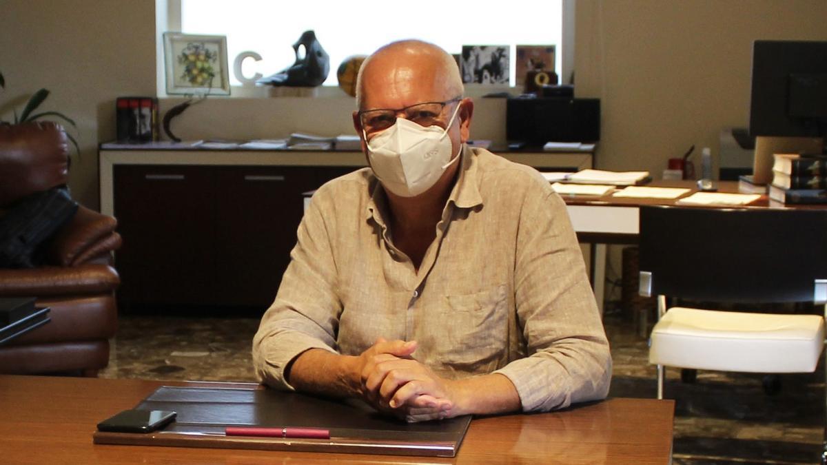 El alcalde de Dénia ha firmado hoy el decreto que inicia la desescalada en la ciudad