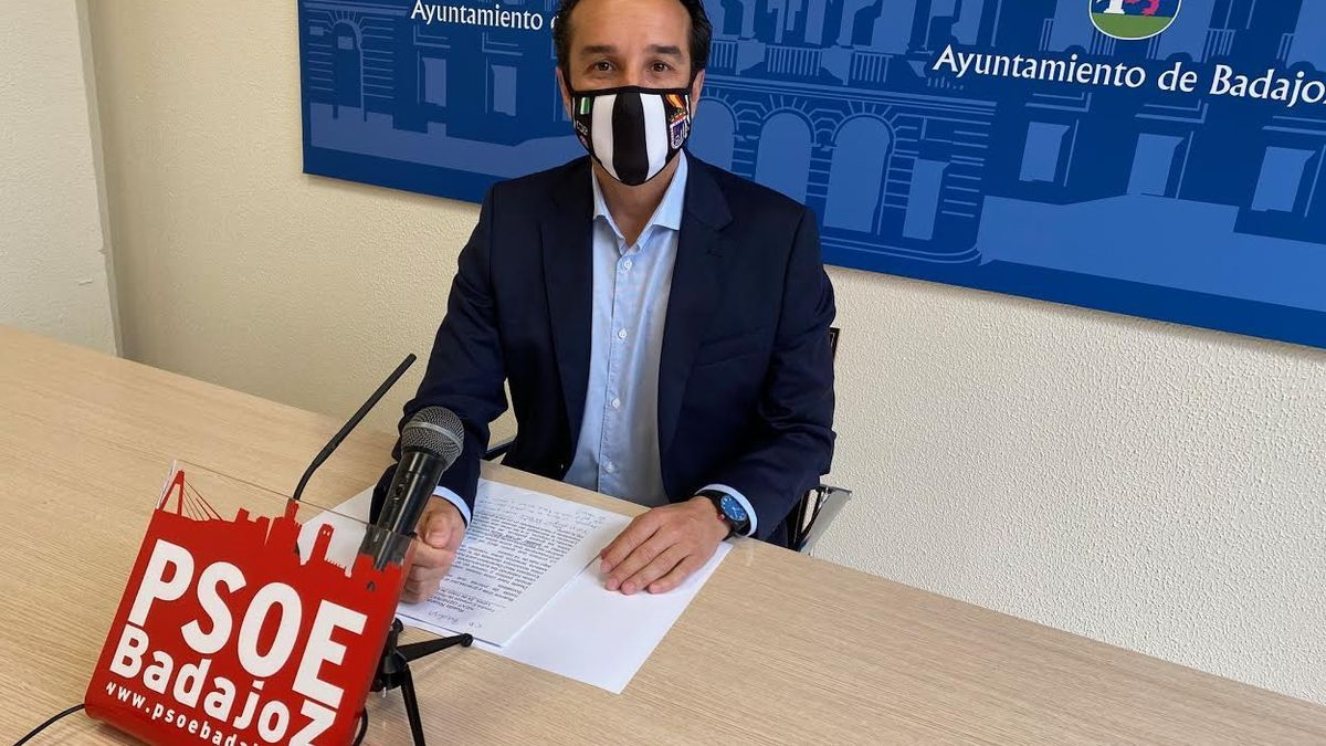 Ricaddo Cabezas, portavoz del PSOE en Badajoz.