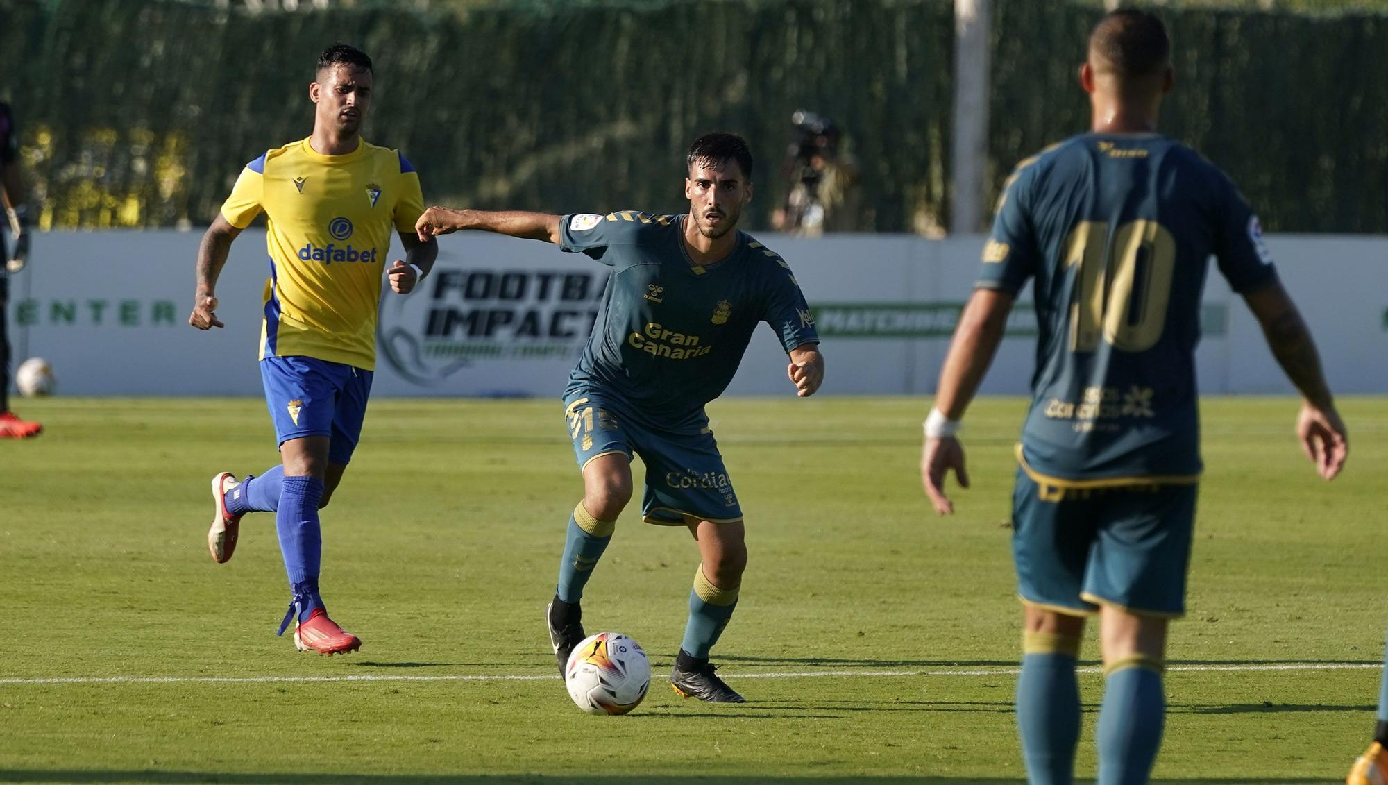 Partido UD Las Palmas - Cádiz CF (2-0)