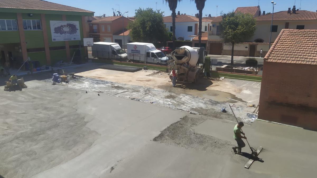 Obra de remodelación del patio infantil del colegio Montero de Espinosa