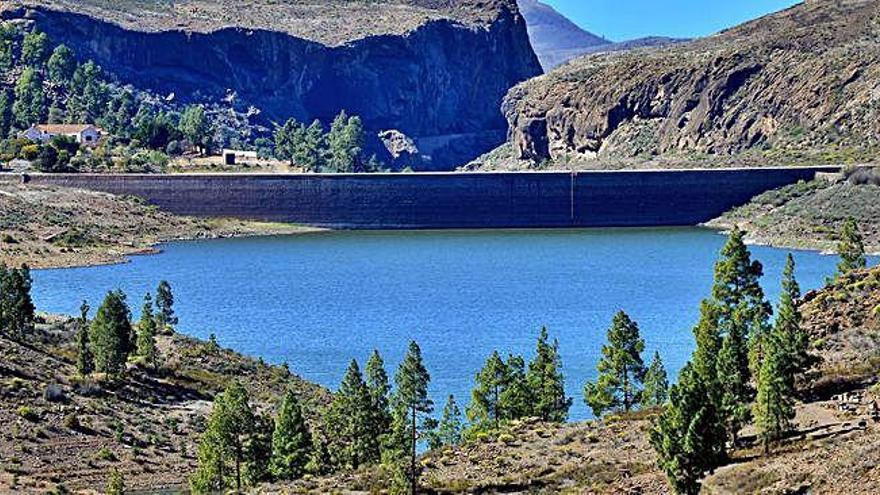 El Cabildo garantiza el soterramiento de Chira-Soria y Red Eléctrica lo desmiente