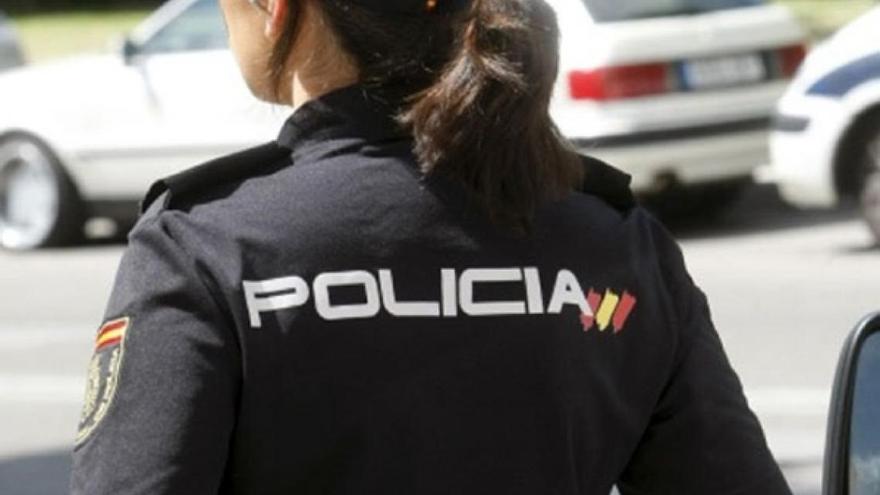 Detenido por robarle el bolso violentamente a una mujer en Arrecife
