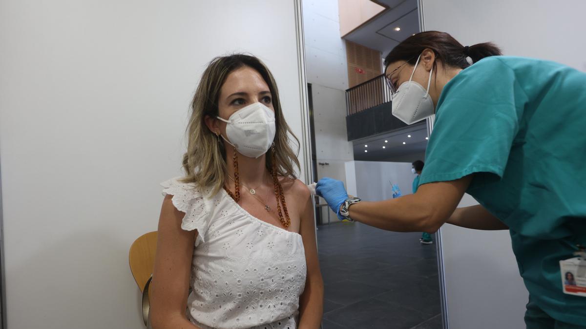 Vacunación en el Auditori de Castelló.
