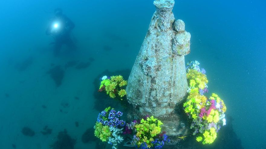 Así ha sido la Ofrenda a la imagen sumergida de la Virgen de los Desamparados
