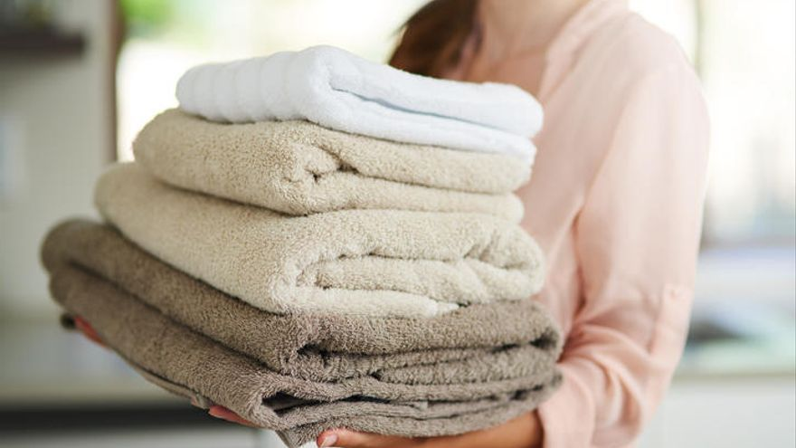 Estás lavando mal tus toallas y podrías contagiarte con estafilococos, así es cómo deberías hacerlo