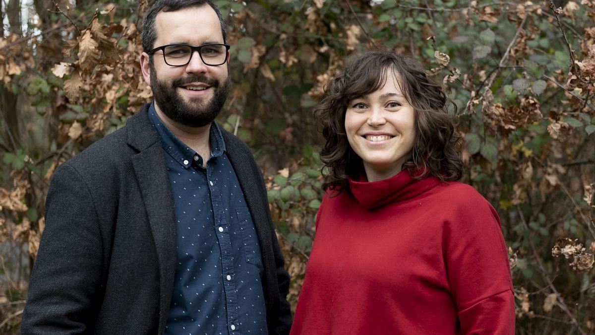 Xavier Domínguez e Alba De Evan, autores de 'Maxia de pedra'.