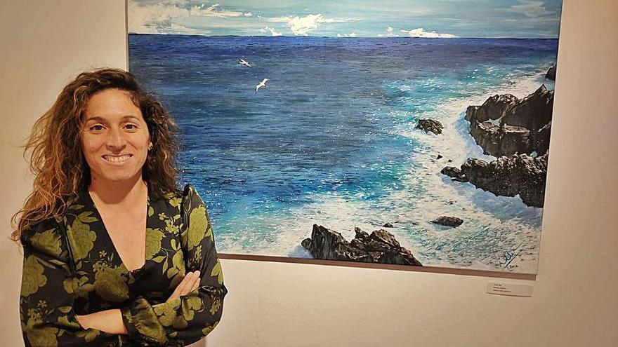 Carolina Mejías presenta en la Casa de la Cultura su exposición renovada 'Tierra, mar y aire'