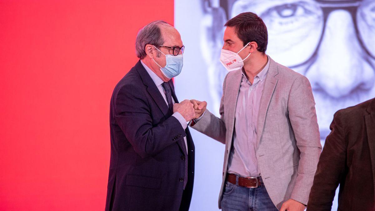 El candidato socialista a las elecciones madrileñas del 4-M, Ángel Gabilondo, junto a Pedro Sánchez.