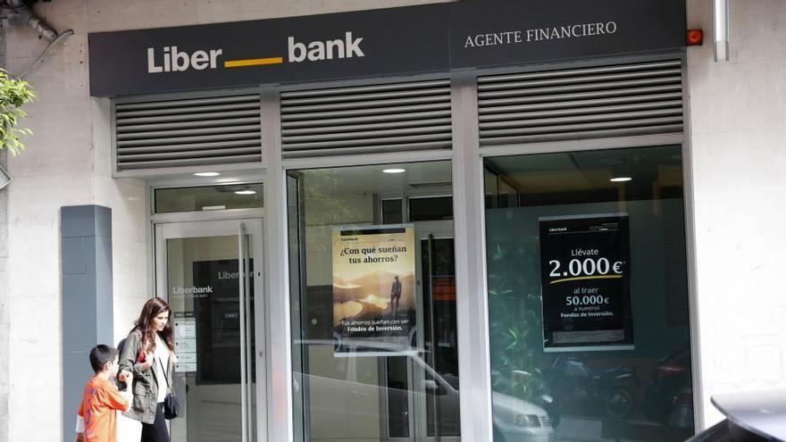 Liberbank reduce su beneficio en el 39% tras aumentar su saneamiento en el 140%