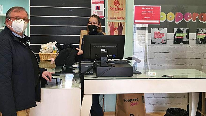 La solidaridad ciudadana en la Safor reporta 331.993 kgs de ropa y calzado a Cáritas