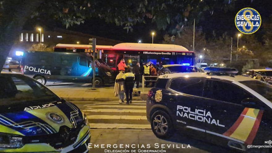 Una anciana muerta y cinco heridos graves en el incendio de un geriátrico en Sevilla