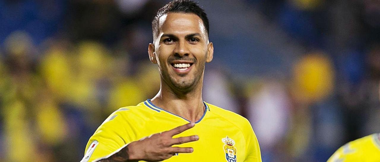 Jonathan Viera Ramos, el 8 de diciembre de 2019, celebra su último tanto de amarillo, en un pulso ante el Numancia. | | QUIQUE CURBELO