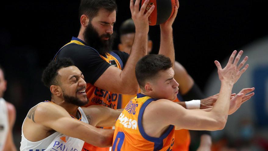 Desconexión 'taronja' en el último cuarto (79-93)