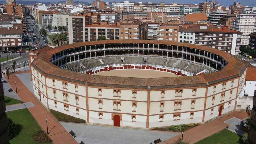 """Cubrir la plaza de toros es """"viable"""", afirman los arquitectos, que piden """"no ir a lo barato"""""""