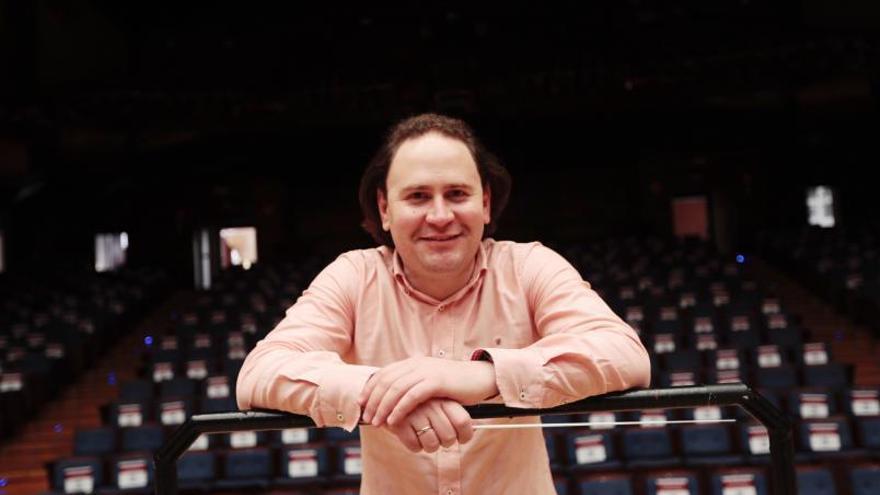 """""""La música es un aprendizaje mutuo y me gusta que las orquestas se sientan libres"""""""