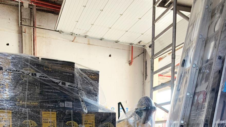 Donan a la UME y al Ejército de Tierra maquinaria para la limpieza de tejados y cubiertas