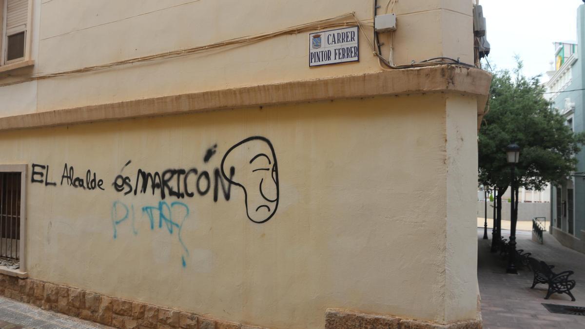 Imagen de la pintada homófoba contra Samuel Falomir