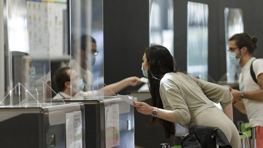 España extiende la cuarentena a viajeros de India hasta el 24 de julio