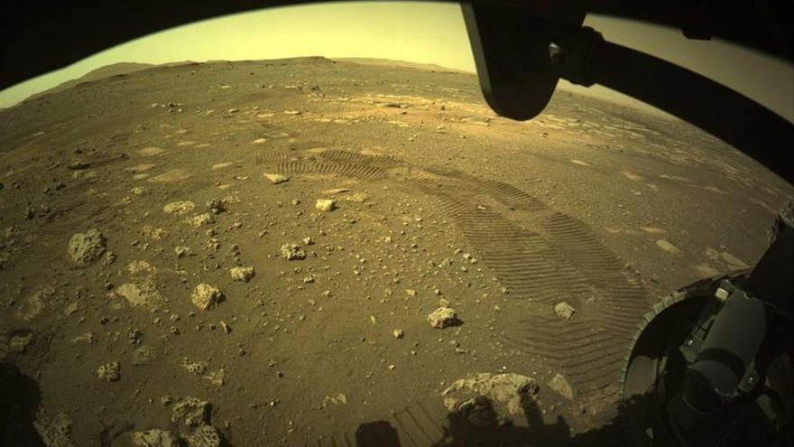 El 'Perseverance' recorre sus primeros metros en la superficie de Marte
