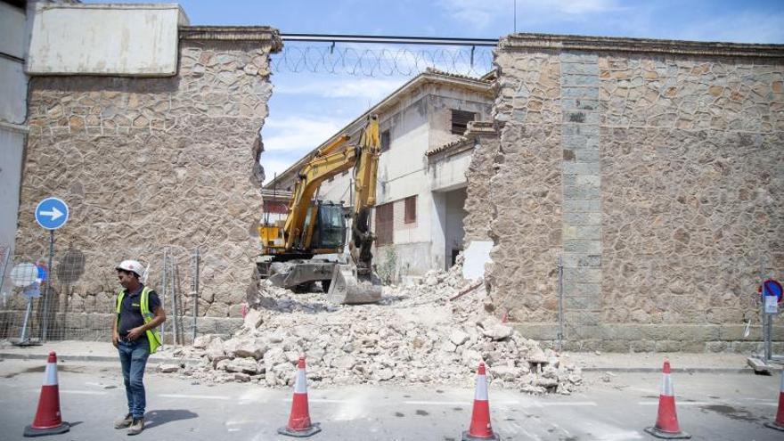 Urbanismo detiene el derribo de la cárcel vieja