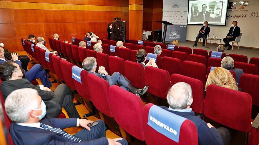 Garamendi pide más inversión en infraestructuras para Galicia y apoya el Corredor Atlántico