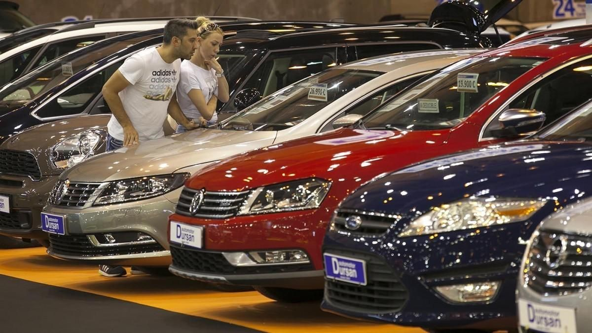 La demanda de vehículos de ocasión crece ligeramente pero el mercado cae un 64,9%
