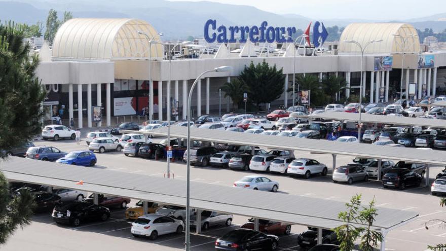 Quines botigues obren avui a Manresa?