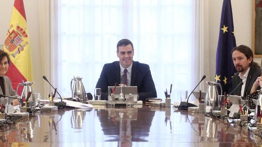 Primer consejo de ministros del gobierno de Sánchez.