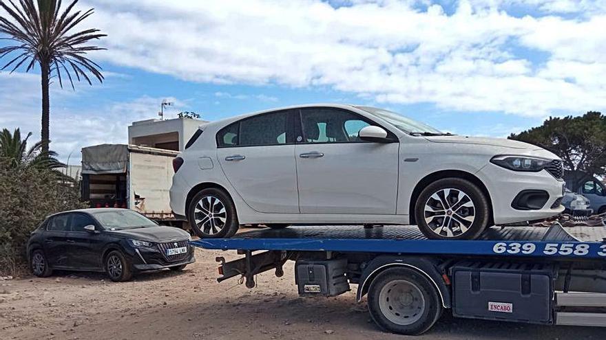 140 actas en julio a coches de alquiler por aparcar sin permiso