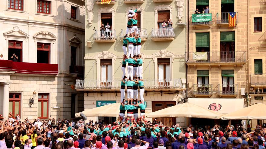 Els Verds coronen el primer 4 de 8 de la represa castellera en la diada del Mercadal de Reus